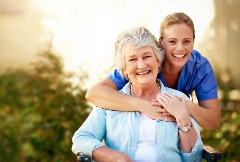 Caregiver : il supporto quotidiano che si prende cura della tua salute