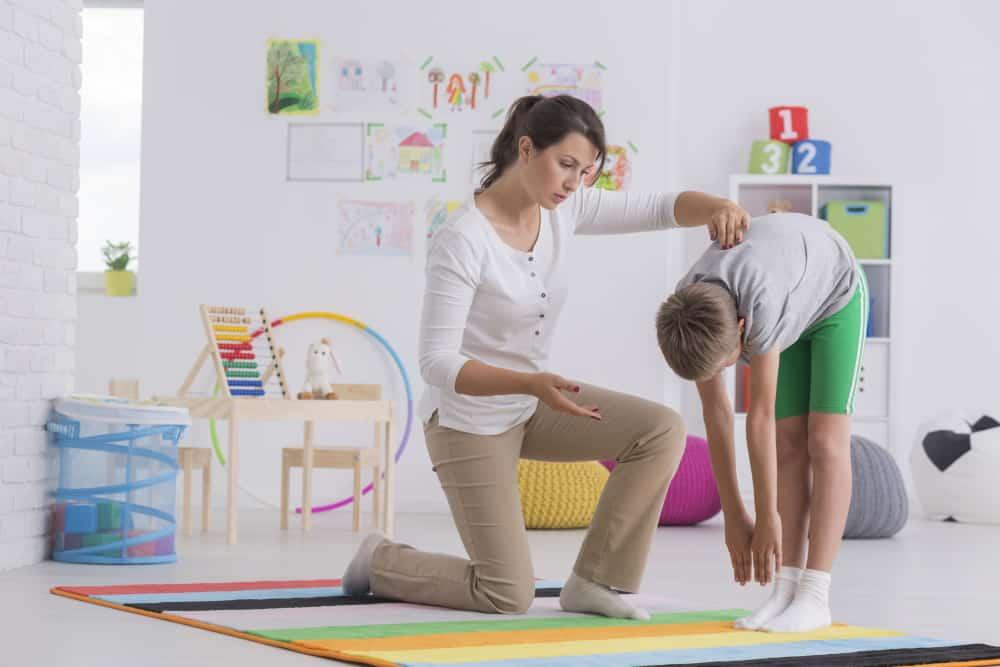 Scoliosi nei giovanissimi: attenzione alla postura