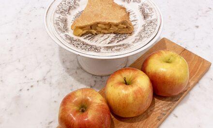 Torta vegana al moscato e mele